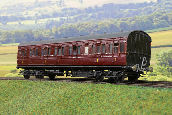 7mm Finescale O Gauge Kit/Scratch Built LMS/MR Maroon Coach