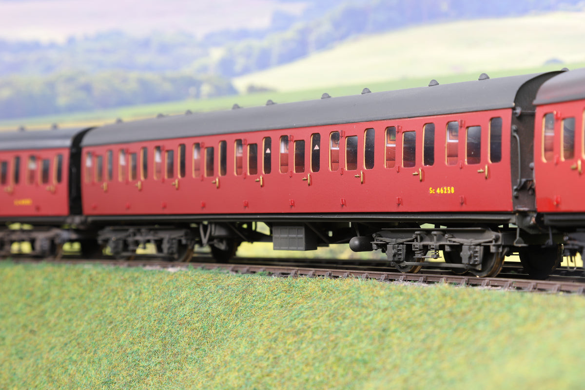 Sancheng 7mm Finescale O Gauge Rake of Four BR Mk1 SBB Coaches