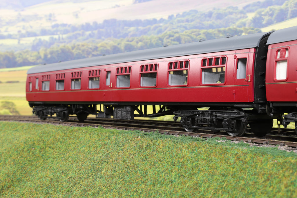 7mm Finescale O Gauge Kit Built Rake of Four BR Maroon Mk1 Coaches