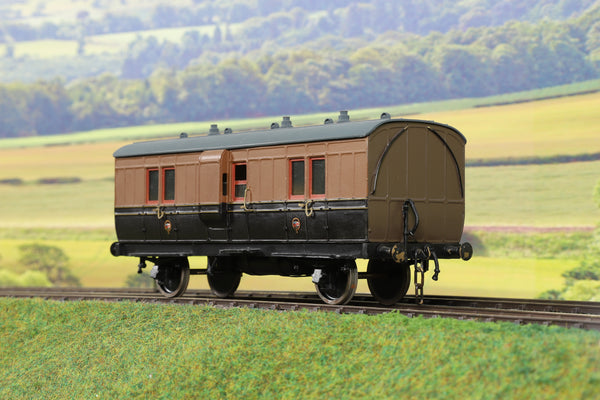 7mm Finescale O Gauge Kit Built LYR Four Wheel Full Brake Coach