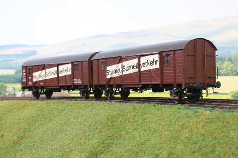 7mm Finescale O Gauge Hubner (or similar) Deutsche Reichsbahn Pair of Connected Goods Vans '218066' 'Stuckgut Scnehllverkehr'
