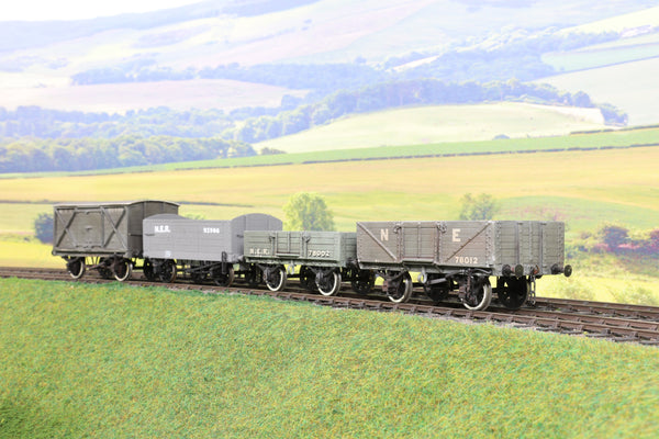 7mm Finescale O Gauge Rake of Four NER Wagons Weathered!