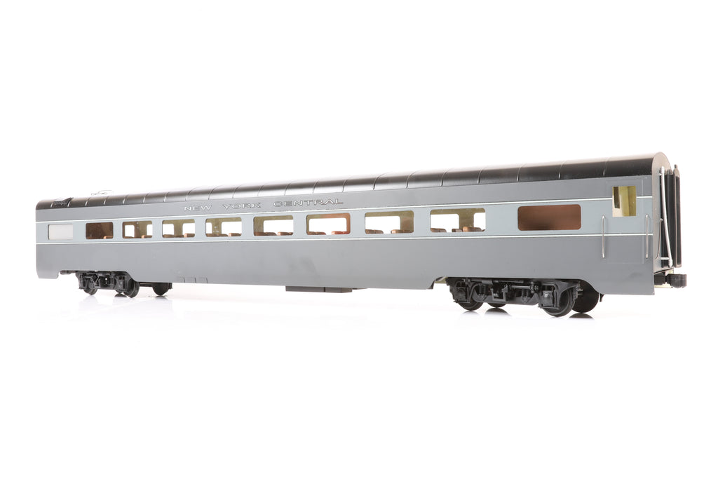 Aster Gauge 1 Commodore Vanderbilt & Accucraft rake of 8 NYC Streamlined Passenger Cars