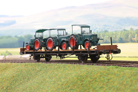 Gebauer O Gauge Deutsche Bundebahn Four Wheeled Flat Wagon with Tractor Load '901457'