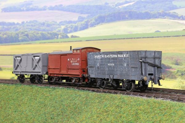 7mm Finescale O Gauge Kit Built Rake of Three NER Wagons
