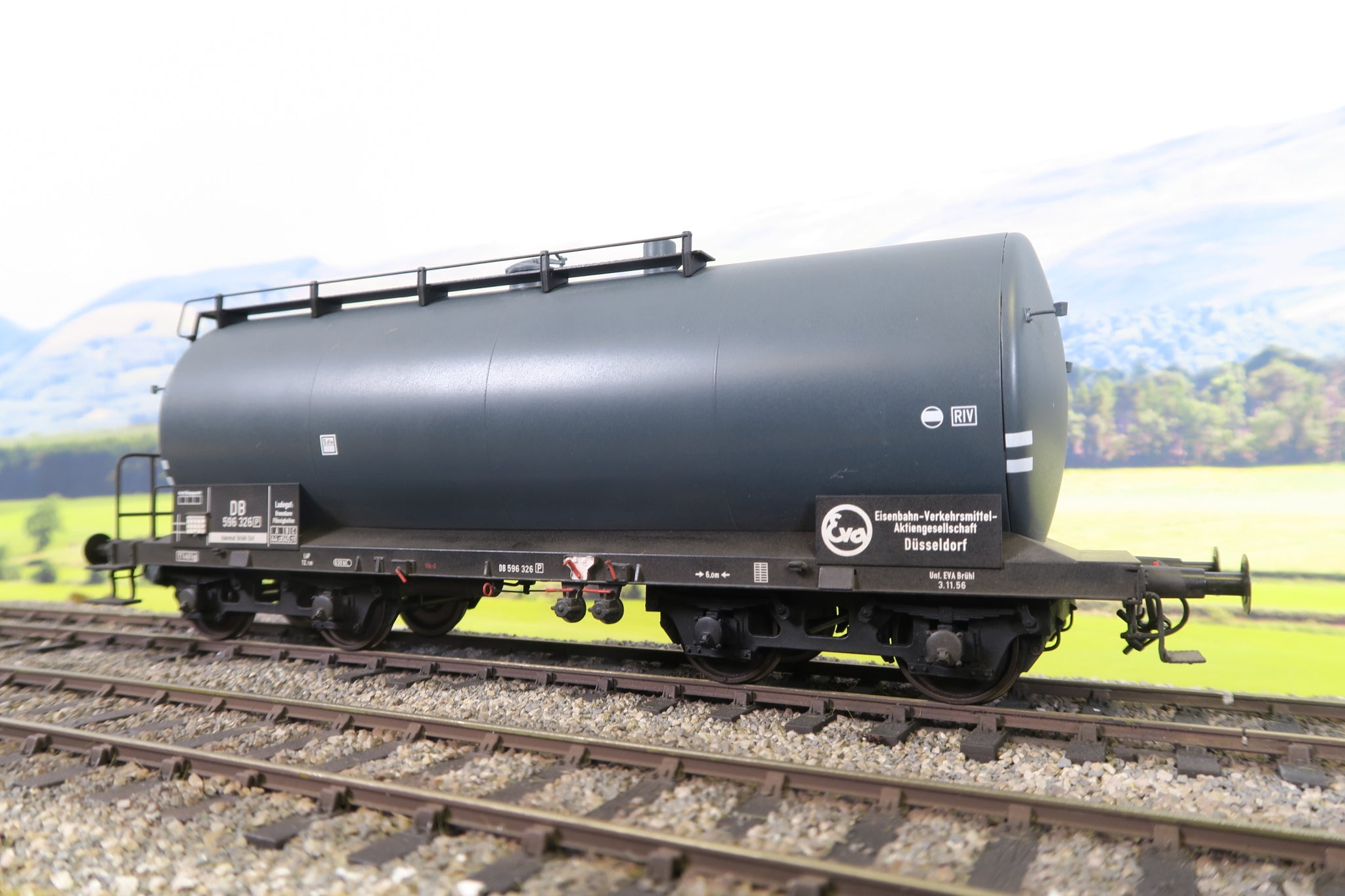 Hubner (or similar) O Gauge DB Tank Wagon '596 326'