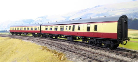 Skytrex 7mm Finescale O Gauge Kit Built Pair of BR Blood and Custard MK1 Coaches BSK and SO