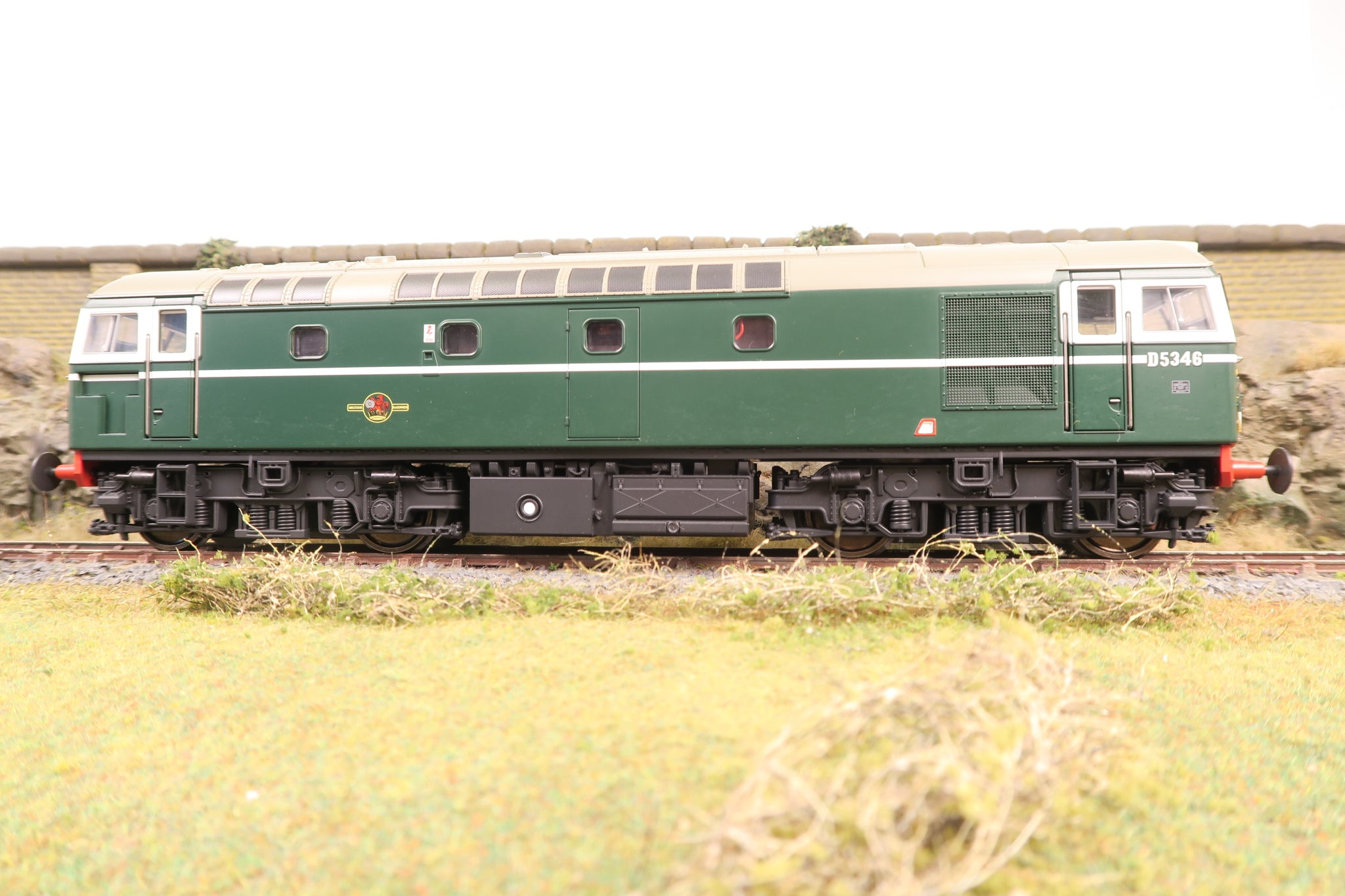 Heljan 7mm Finescale O Gauge 26701 BR Green Class 26 with Small Yellow Ends 'D5346' DCC Sound!