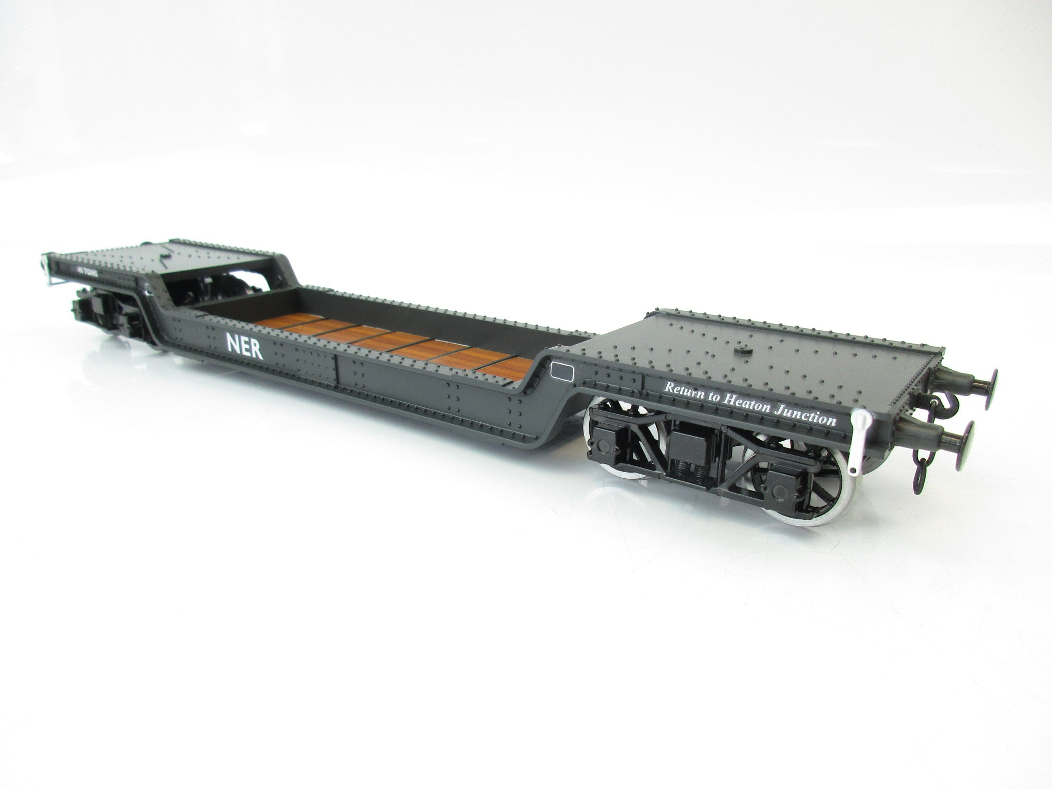 Darstaed 7mm Finescale O Gauge 45 Ton Bogie Well Wagon NER Livery