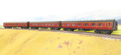 7mm Finescale O Gauge Kit Built Rake of Three LMS Lined Maroon Panneled Passenger Coaches