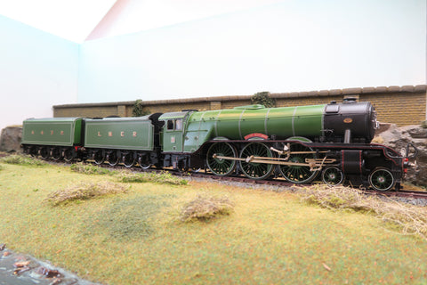 DJH 7mm Finescale O Gauge Kit Built LNER Lined Green A3 Class 4-6-2 '4472' Double Tendered 'Flying Scotsman' Limited Edition!