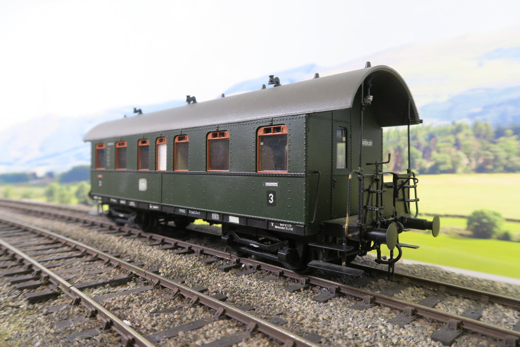 Biller Bahn (or Similar) O Gauge DB Green Third Class Passenger Coach '79983'