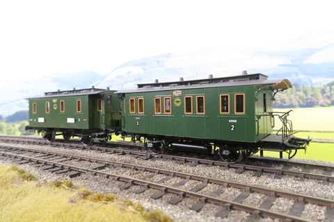 Sauer (or Similar) O Gauge Pair of DR Green Four Wheel Clerestory Coaches