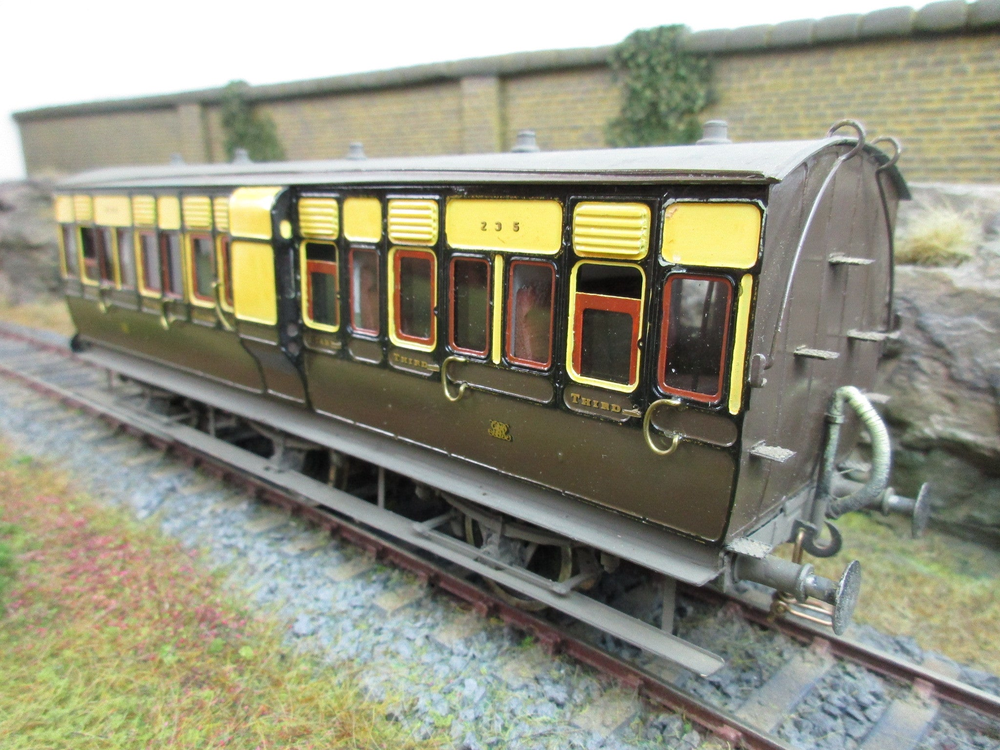 7mm Finescale O Gauge Mallard Models Kit Built GWR 6 Wheel Third Class CompartmentCoach '235'