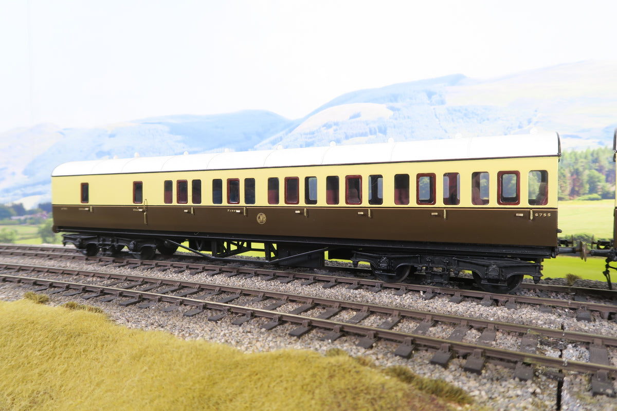 7mm Finescale O Gauge Kit Built GWR Chocolate and Cream 'B' Set of Coaches