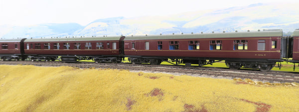 MTH 7mm Finescale O Gauge 22-60052 Pair of LMS Lined Maroon Standard Passenger Cars