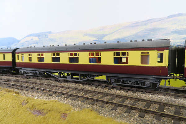 MTH 7mm Finescale O Gauge 22-60049 BR Blood and Custard First Corridor Coach 'M1057'