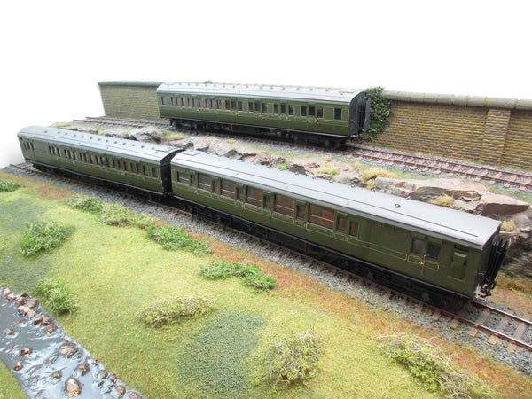 7mm Finescale O Gauge Kit Built SR Rake of Three Coaches