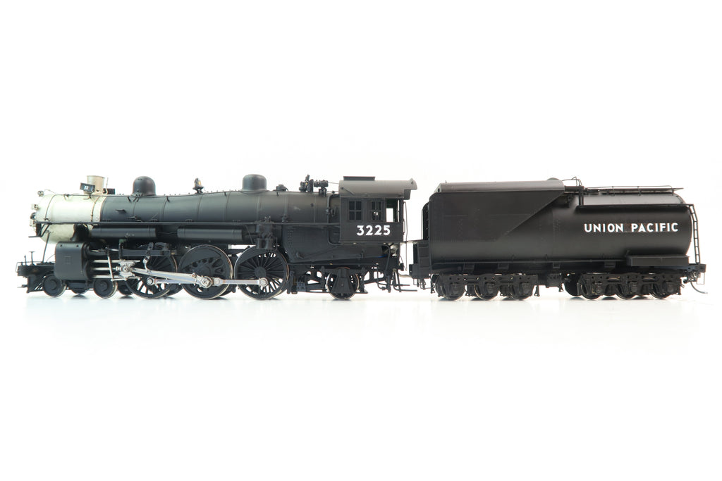 Overland Models O Gauge Union Pacific 4-6-2 '3225'