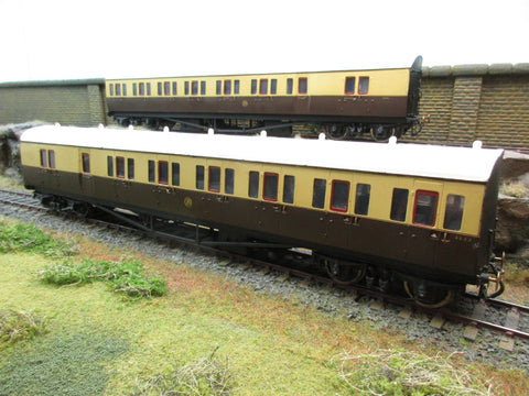 RJH 7mm Finescale O Gauge Kit Built GWR Suburban Coaches '6524', '6523'