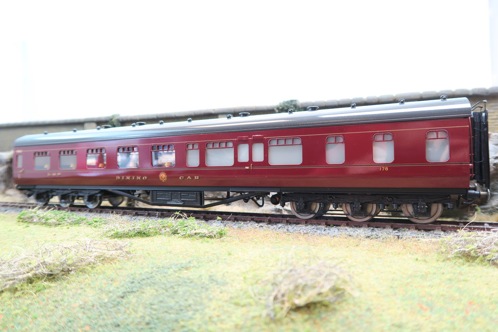 EK Models 7mm Finescale O Gauge Kit Built Rake of Five LMS Lined Maroon Coaches