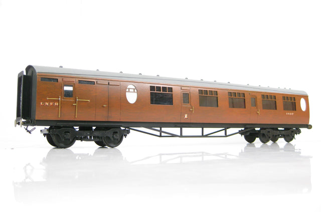 Kit Built Gauge 1 10mm LNER Thompson Brake Composite, Gresley Teak Finish Coach
