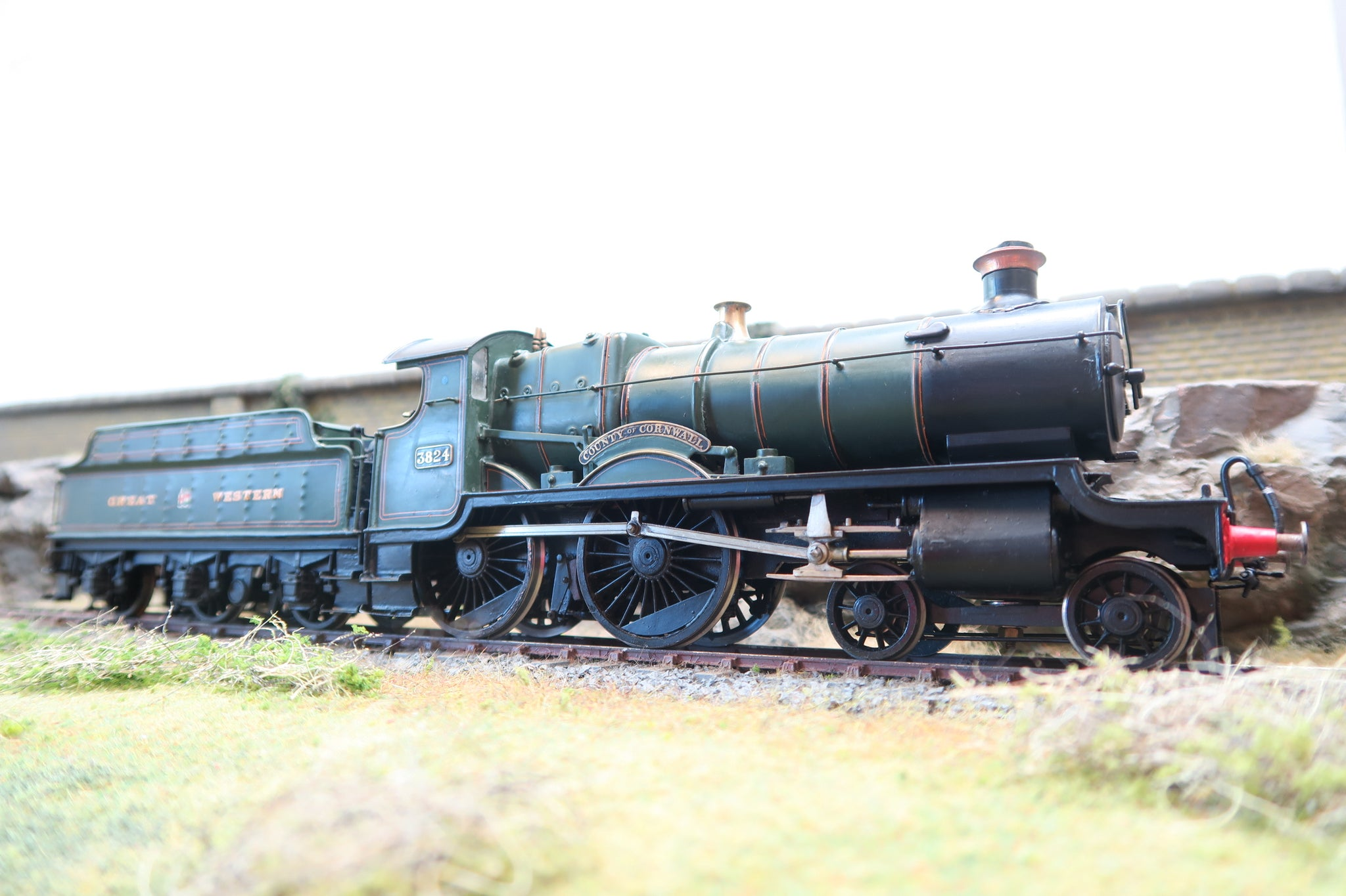 7mm Finescale O Gauge Kit Built GWR Lined Green 38xx 4-4-0 '3824' 'County of Cornwall'