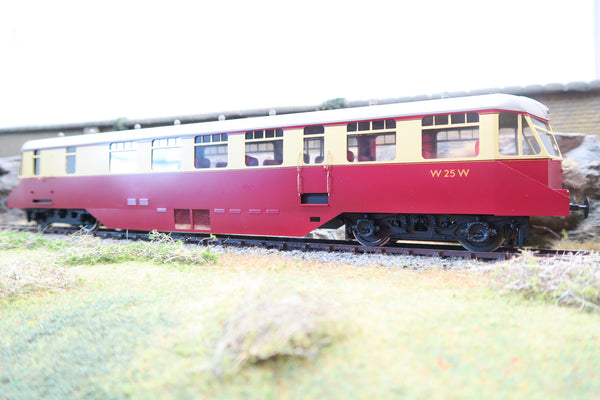 Sancheng 7mm Finescale O Gauge GWR Carmine and Cream Passenger Railcar 'W25W'