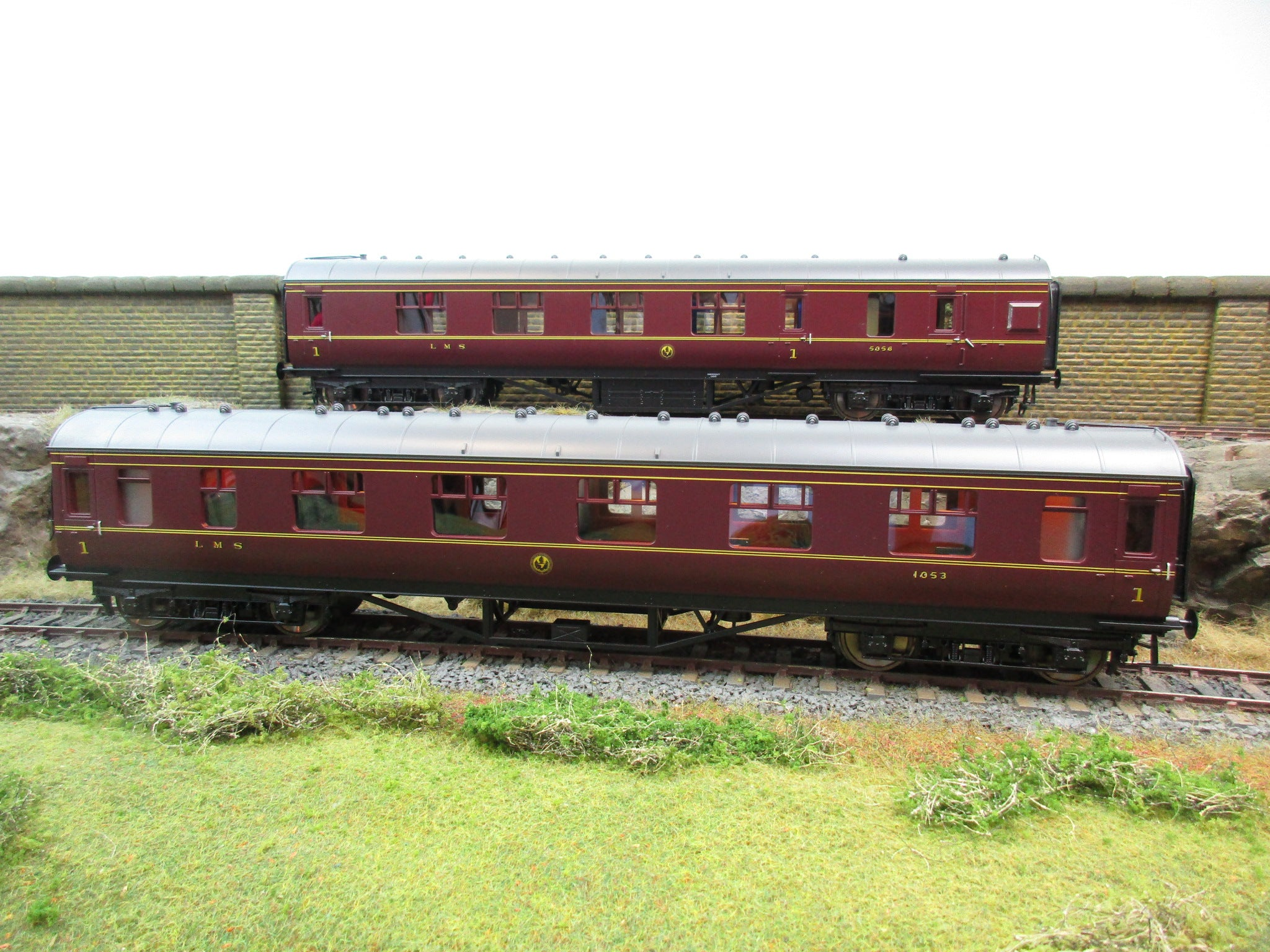 MTH 22-60061 2-Rail 7mm Finescale O Gauge 2-Car LMS Standard Passenger Set, Brand New!