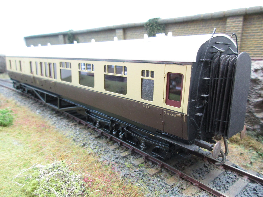7mm Finescale O Gauge Kit Built GWR Chocolate and Cream Collett Corridor Brake Third Coach '652'