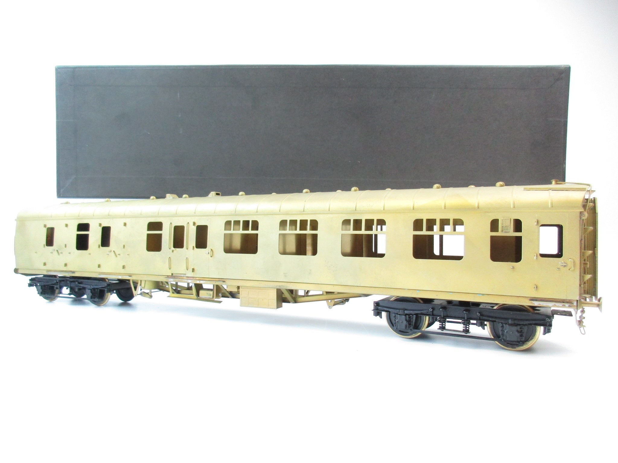 Sancheng/Tower Brass 7mm Finescale O Gauge BR MK1 BSK Coach (Plain Brass)