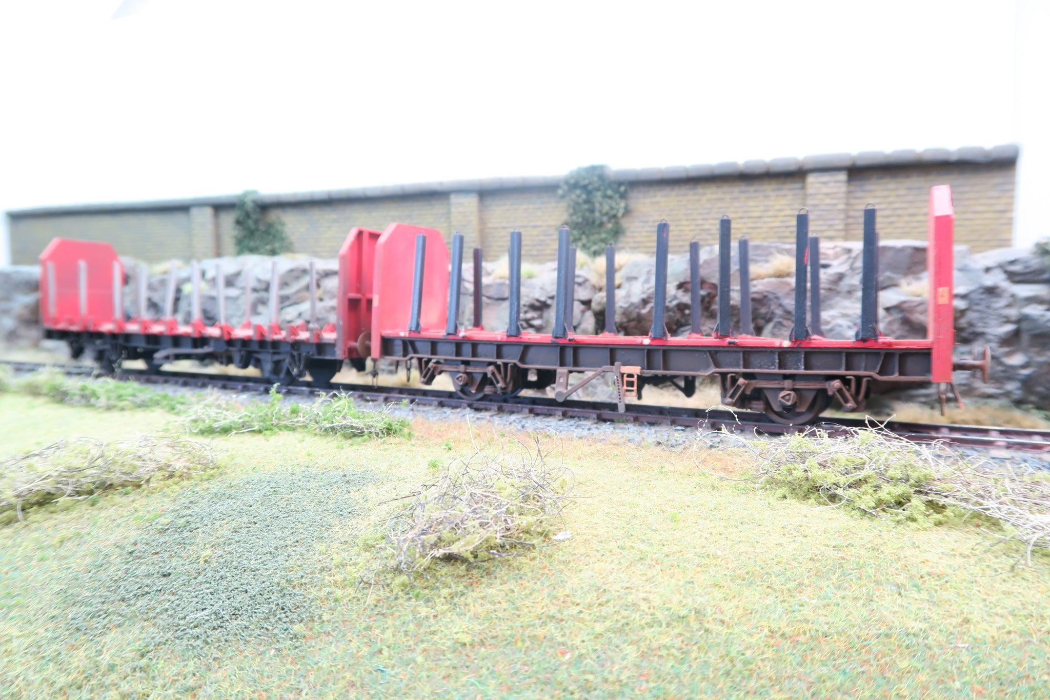 7mm Finescale O Gauge Kit Built Pair of Spine Wagons
