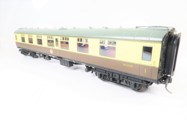 Accucraft Gauge 1 1:32 W13134 Chocolate & Cream BR Mk1 First Corridor Coach