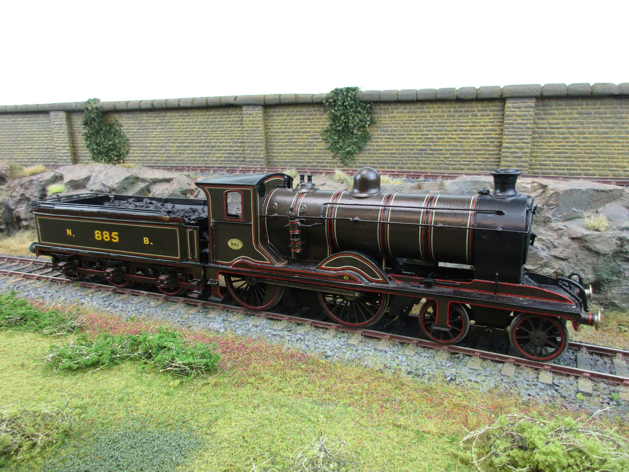 Scottish Loco Works 7mm O Gauge Kit Built NB 4-4-0 '885'