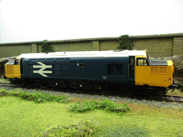 Heljan 37131 Class 37 Diesel BR Large Logo Blue with Full Yellow Ends