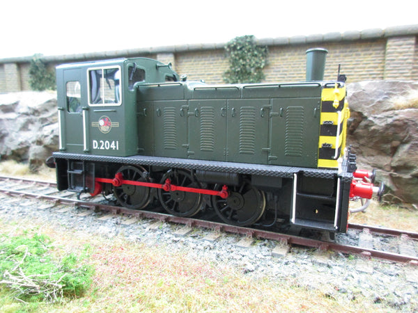DJH 7mm O Gauge K326/C Factory Built BR Green Class 03 Diesel Shunter 'D2041' With Wasp Stripes