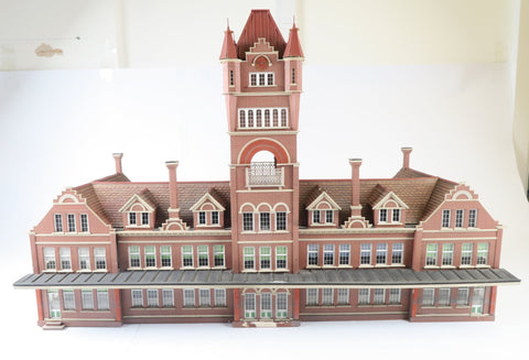 Allan Downes O Gauge American Style University/State Building