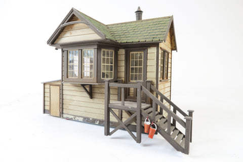 Allan Downes O Gauge American Style Station Signal Hut