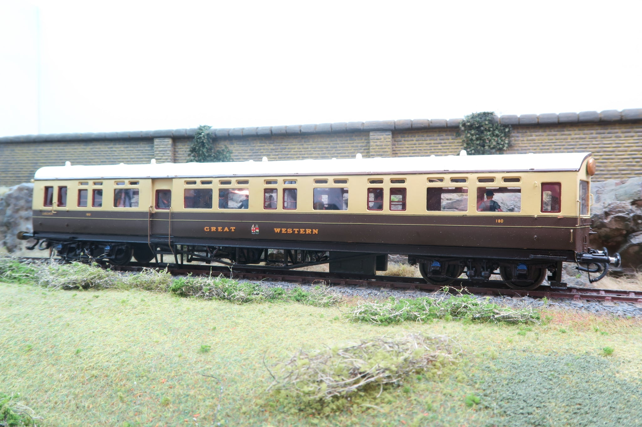 7mm Finescale O Gauge Kit Built GWR Autocoach '180' With Passengers