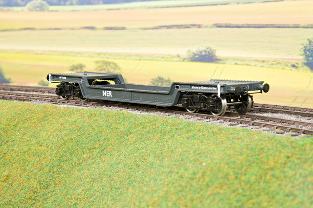 Darstaed D32-11 7mm Finescale O Gauge 45 Ton Bogie Well Wagon NER Livery