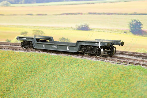 Darstaed 7mm Finescale O Gauge 45 Ton Bogie Well Wagon NE Livery