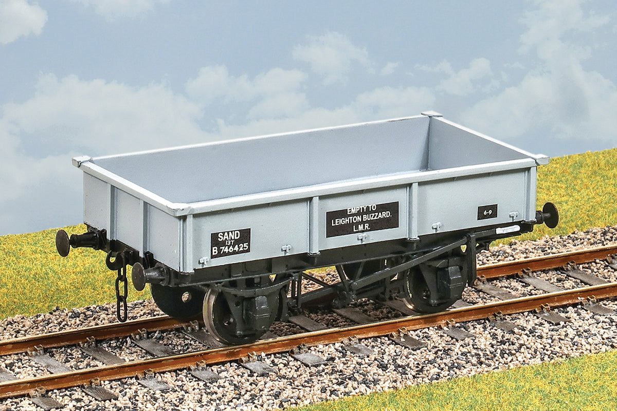 Parkside Dundas O Gauge PS38 British Railways 18 ton Sand Wagon Kit w/Wheels