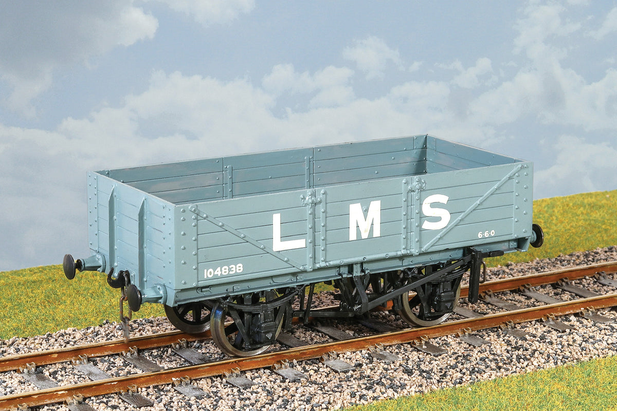 Parkside Dundas O Gauge PS42 LMS 12 Ton Open Goods Wagon Kit w/Wheels