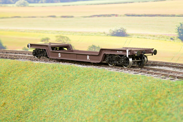 Darstaed D32-12 7mm Finescale O Gauge 45 Ton Bogie Well Wagon SR Livery