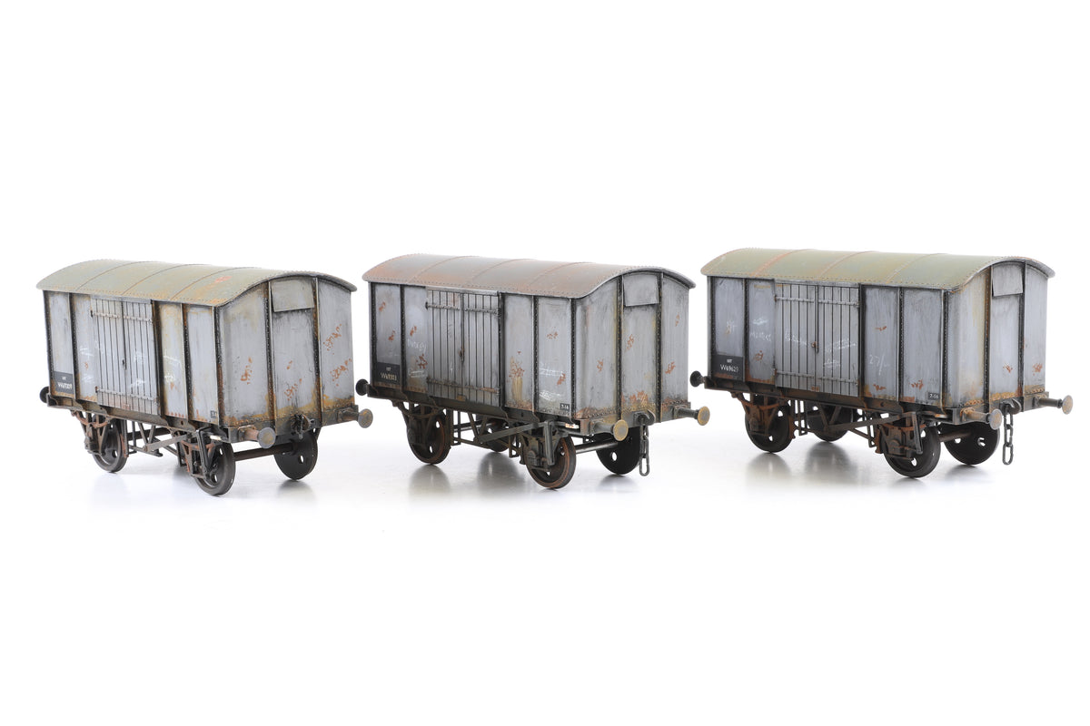 Scale 7 Rake of 3 BR 10T Wagons