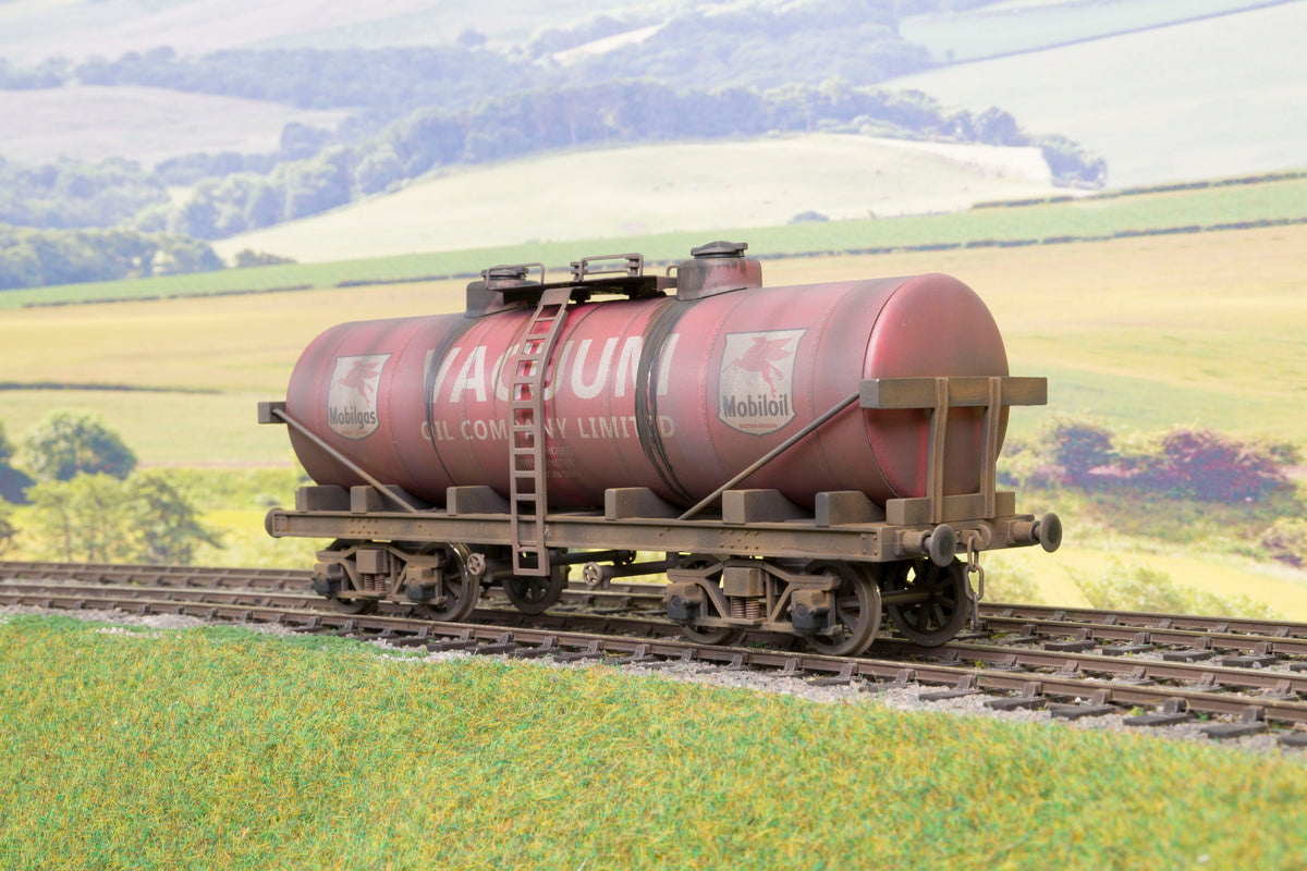 Darstaed Finescale O Gauge Bogie Tankers, Weathered (Choice of Liveries)