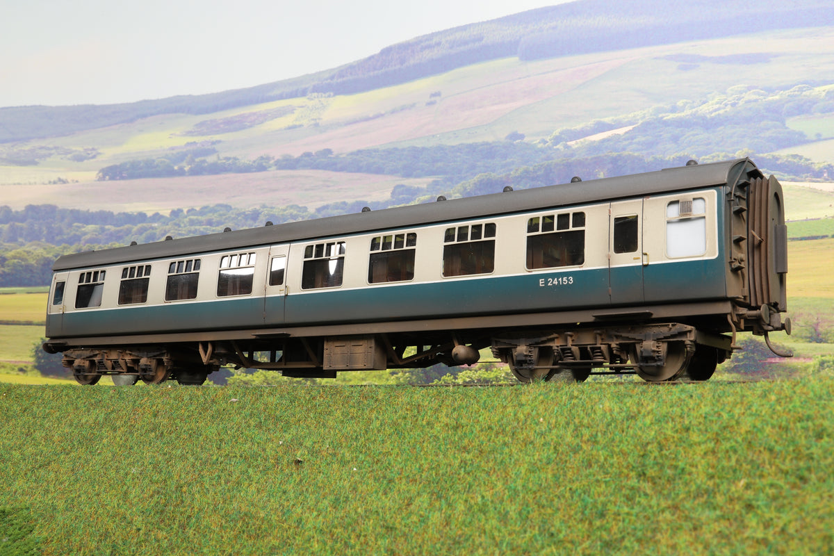 Darstaed Finescale O Gauge BR Mk1 SK (Second Class Corridor), Blue & Grey, Custom Weathered/Numbered 'E24153'