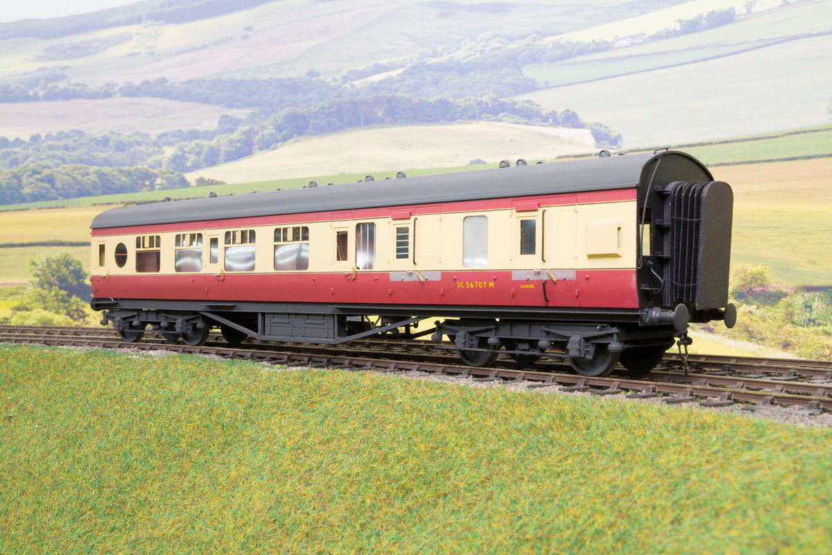 Sidelines Finescale O Gauge Stanier Brake Third Coach 'SC26707', BR Crimson & Cream