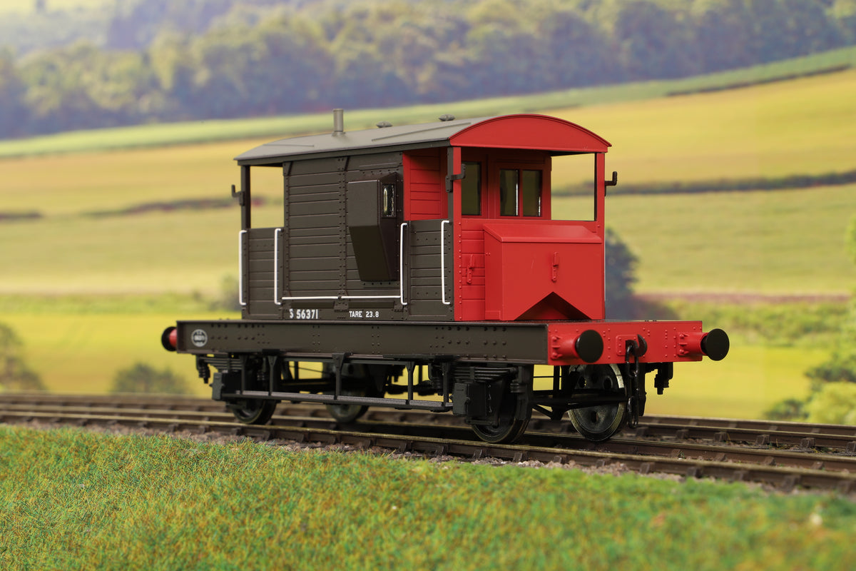 Dapol 7F-100-101 O Gauge Brake Van SR Brown/Red Small Letters Uneven Plank S56371