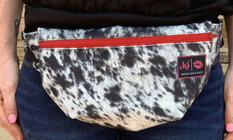 Lola Onyx Fanny Pack by Makeup Junkie